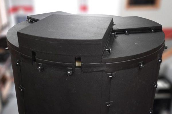 Dragon Jacket Insulation™ 2750 Gallon Tank Insulation System DJS1™ Black Closeup view of roof